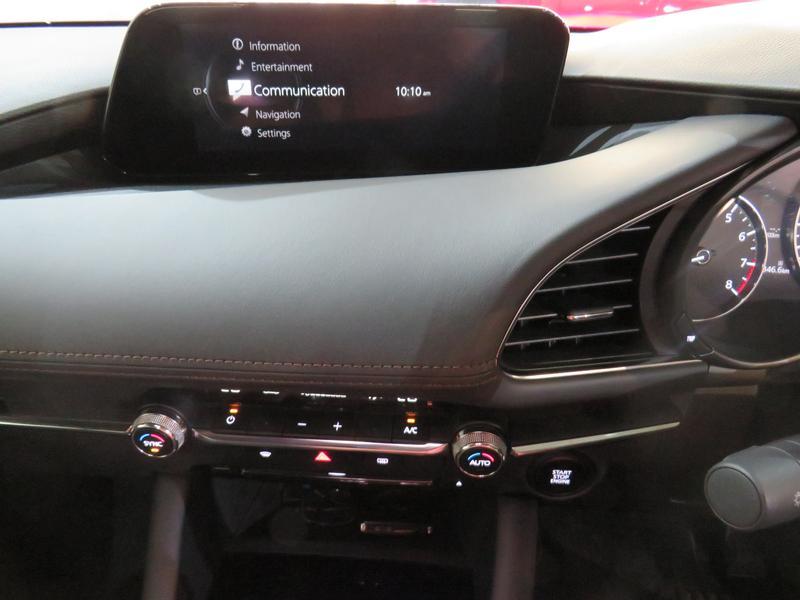 Mazda 3 2.0 Astina 5-Door At Image 10