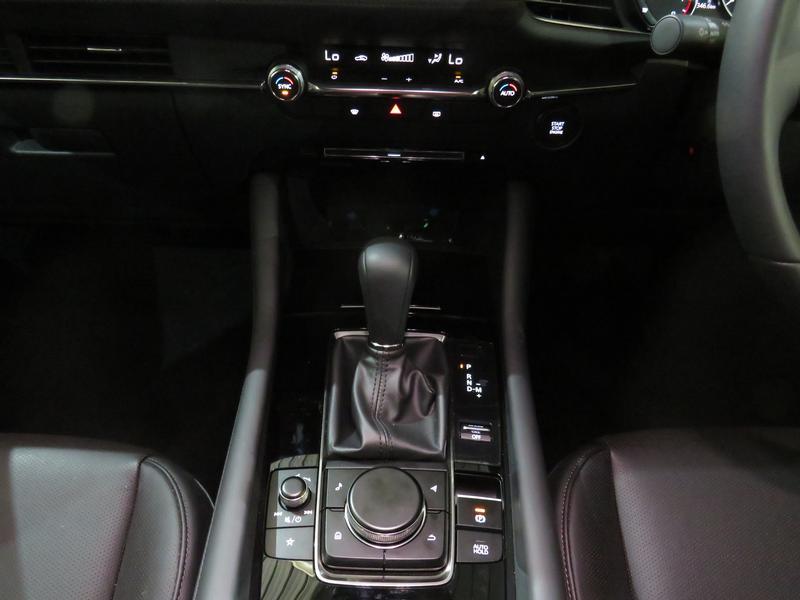 Mazda 3 2.0 Astina 5-Door At Image 11