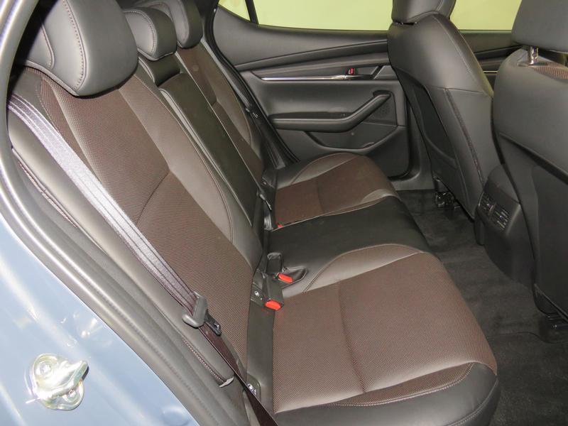 Mazda 3 2.0 Astina 5-Door At Image 15