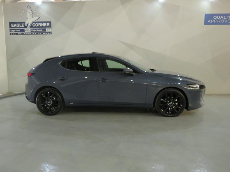 Mazda 3 2.0 Astina 5-Door At Image 2