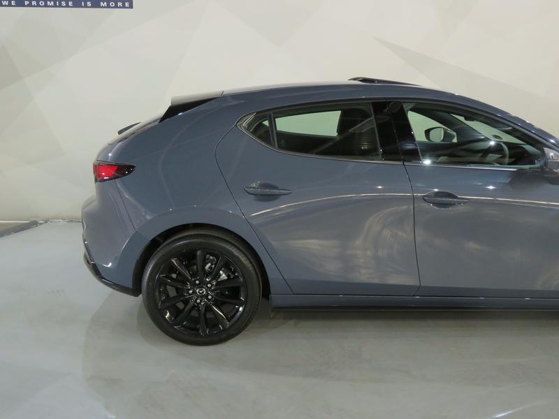 Mazda 3 2.0 Astina 5-Door At Image 5