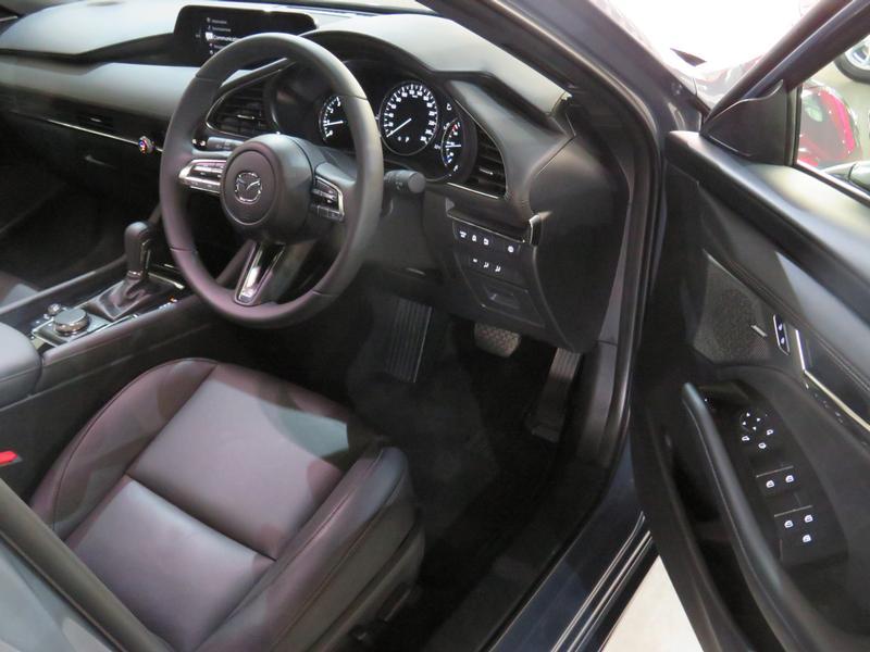 Mazda 3 2.0 Astina 5-Door At Image 7