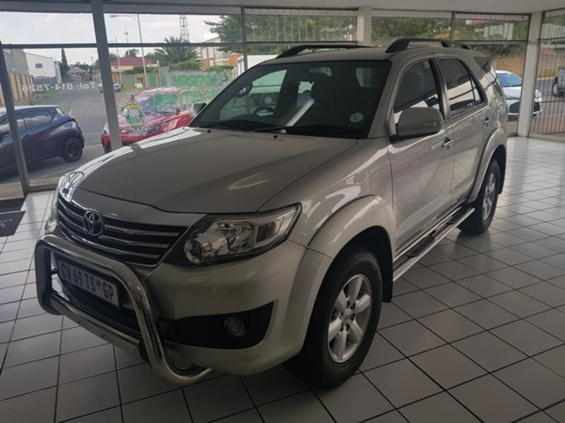 2012 Toyota Fortuner 4.0 R/body Heritage At