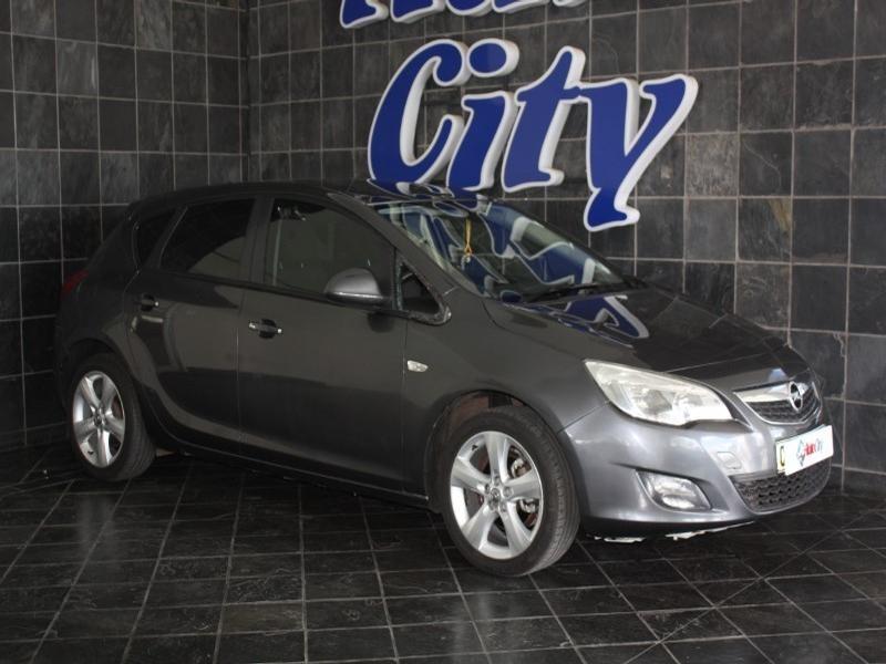 2011 Opel Astra 1.4T Enjoy