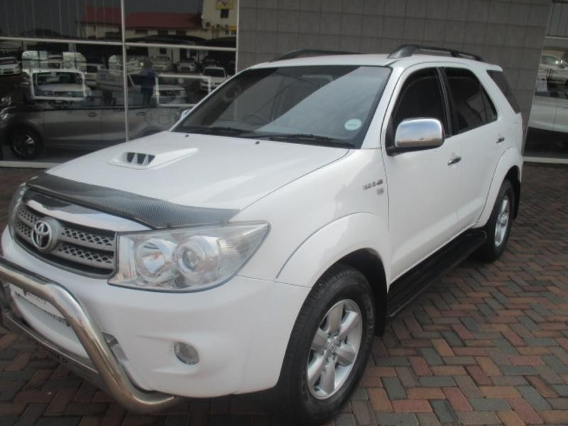 2010 Toyota Fortuner 3.0 D-4D R/body At