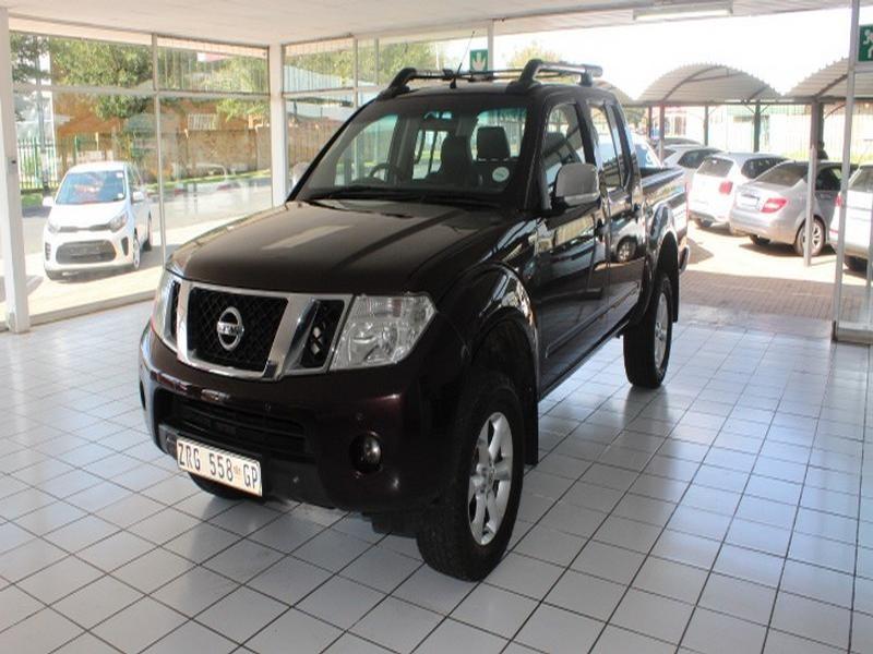 2010 Nissan Navara 4.0 V6 4X4 Le D/cab