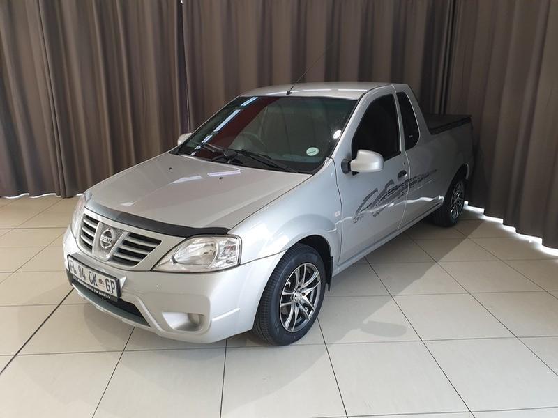 2015 Nissan NP200 1.6 8V A/C