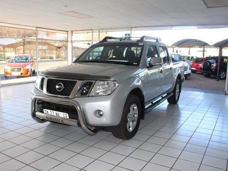 2015 Nissan Navara 2.5 DCi 4X4 Le D/cab At