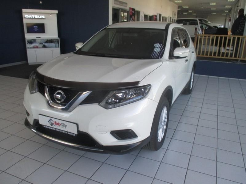 2015 Nissan X-Trail 2.0 4X2 Xe 7-Seater