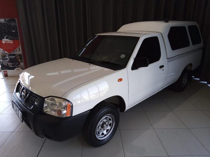 2014 Nissan NP300 Hardbody 2.0 Se Lwb (bucket Seats)