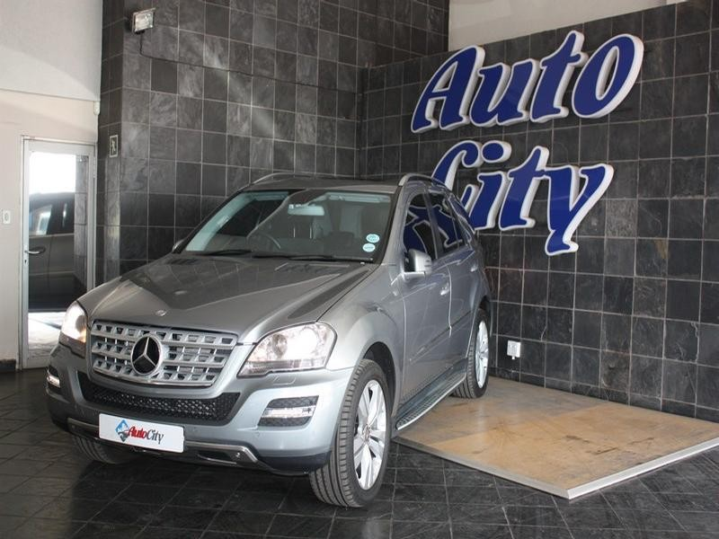 2011 Mercedes Benz Ml Ml 500 7G-Tronic