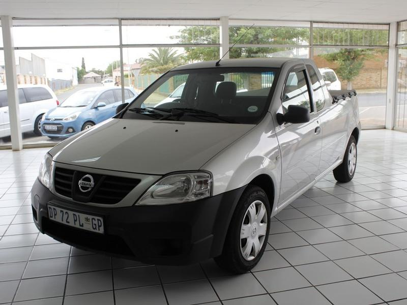 2015 Nissan NP200 1.5 DCi A/C + Safety Pack