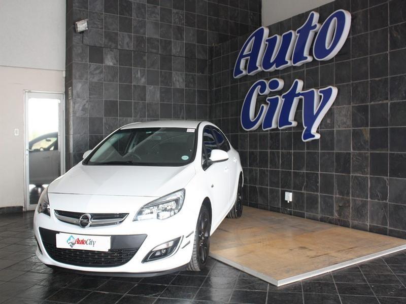 2014 Opel Astra Sedan 1.4T Essentia