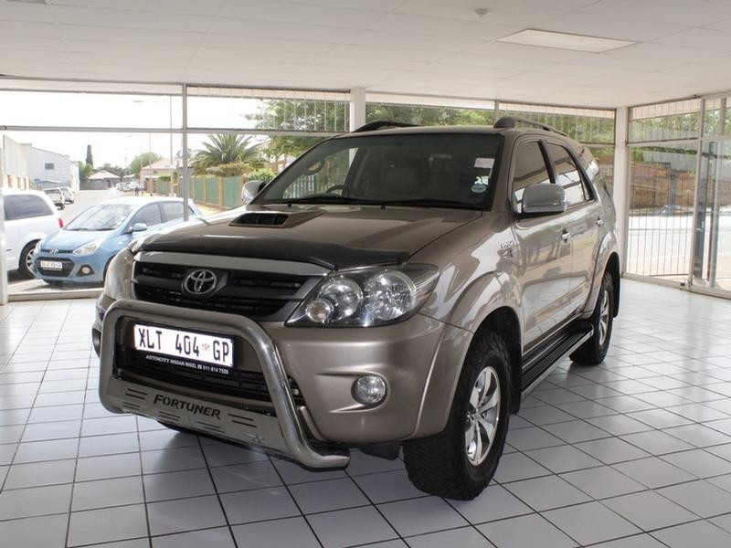 2008 Toyota Fortuner 3.0 D-4D R/body
