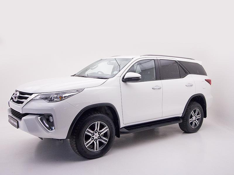 Toyota Fortuner My18 2.4 Gd-6 4X4 At