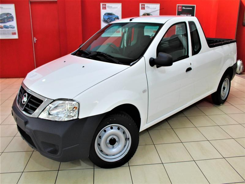 Nissan NP200 1.6 8V NEW BASE