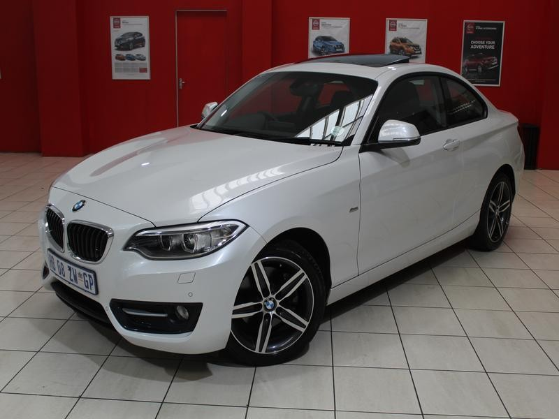 BMW 2 Series Coupe Facelift 220i Sport Line Steptronic