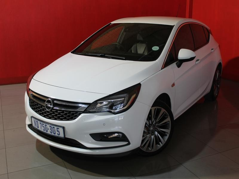 Opel Astra Hatch 1.4T Sport At