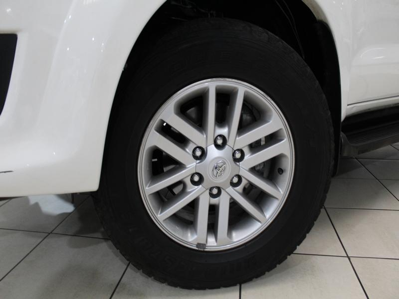 Toyota Fortuner Epic 3.0 D-4D R/body