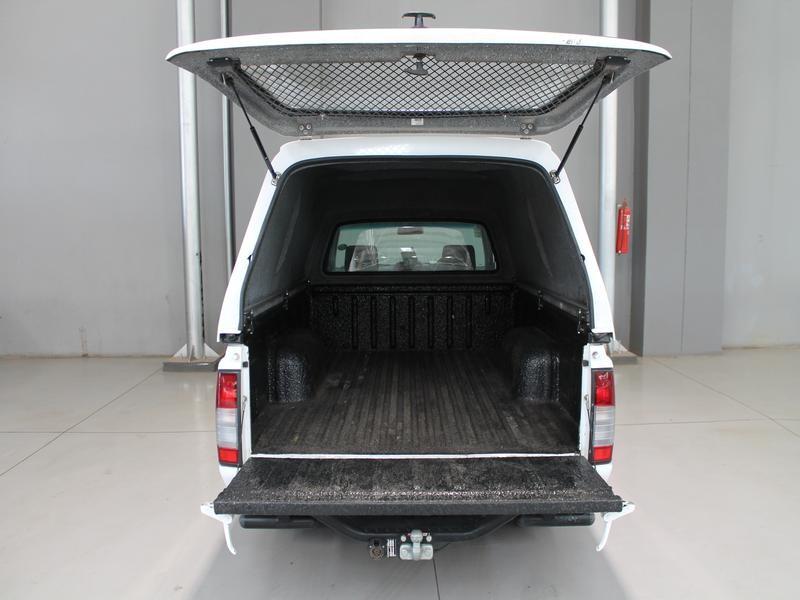 Nissan NP300 Hardbody 2.0 Lwb P/S