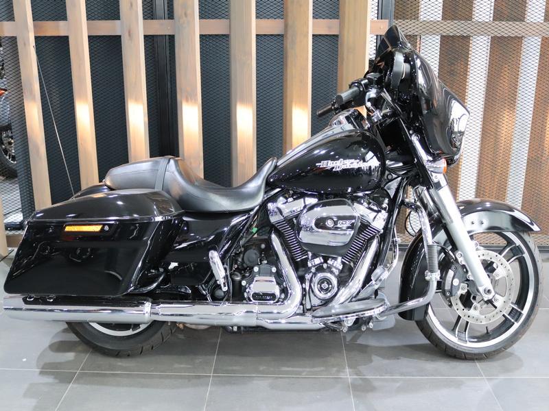 Harley Davidson FLHXS Street Glide Special FLHXS Vivid Black (18my)