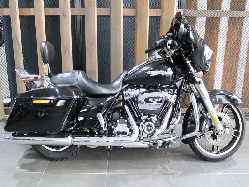 Harley Davidson FLHXS Street Glide Special FLHXS Colour (18my)