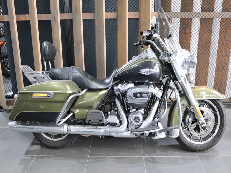 Harley Davidson Touring FLHRC Road King Classic