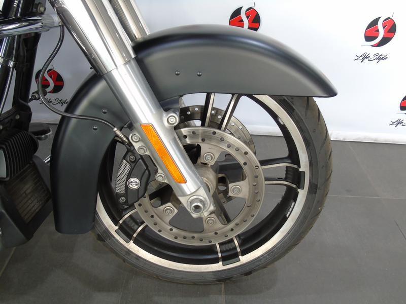 Harley Davidson Touring FLHXS Street Glide Special