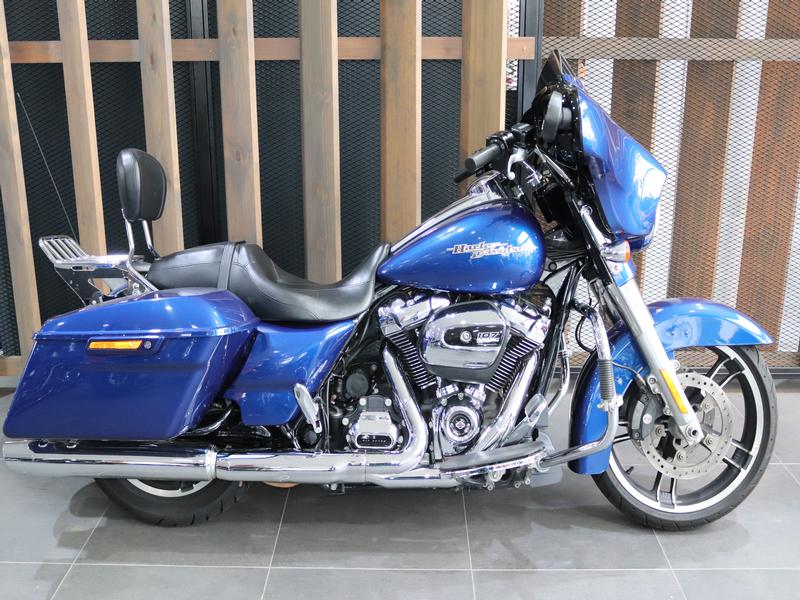 Harley Davidson Touring FLHXS Street Glide Special