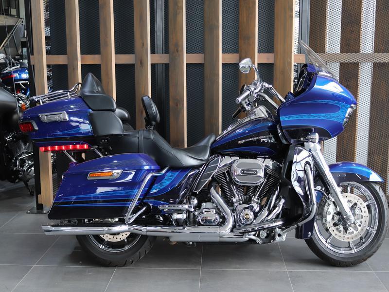 Harley Davidson FLTRSE CVO Road Glide Ultra FLTRSE Custom (15my)