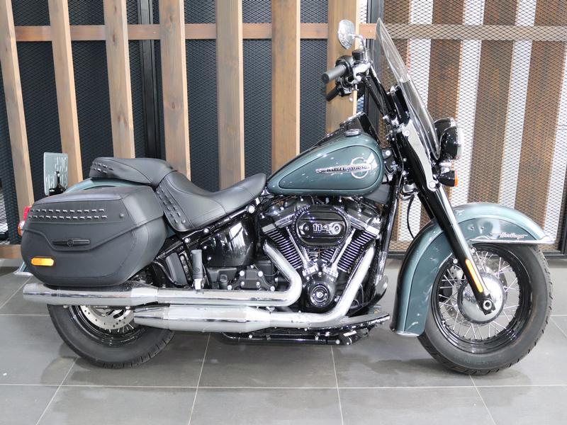 Harley Davidson FLHCS Softail Heritage 114 FLHCS Colour (18my)