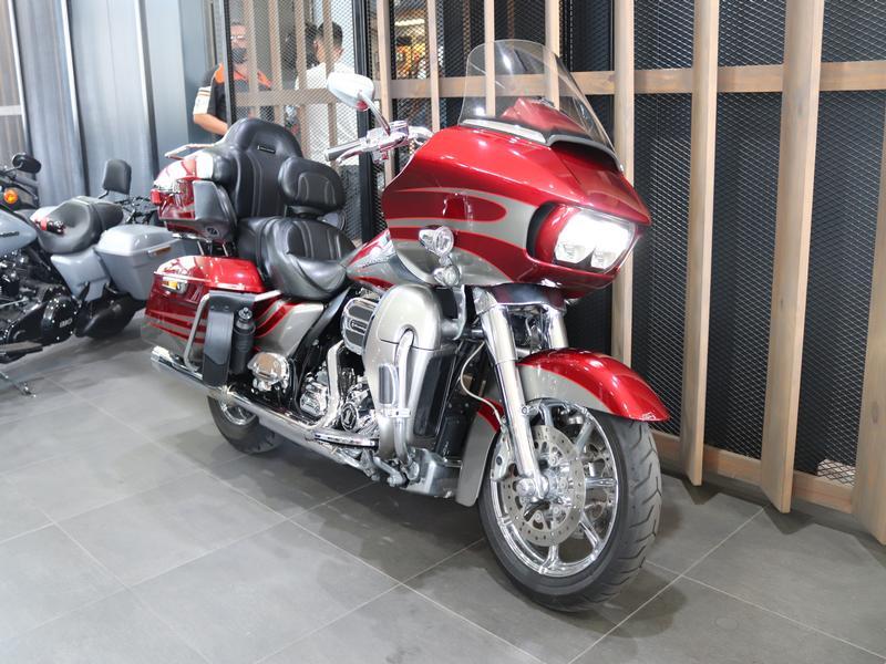 Harley Davidson CVO Road Glide Ultra