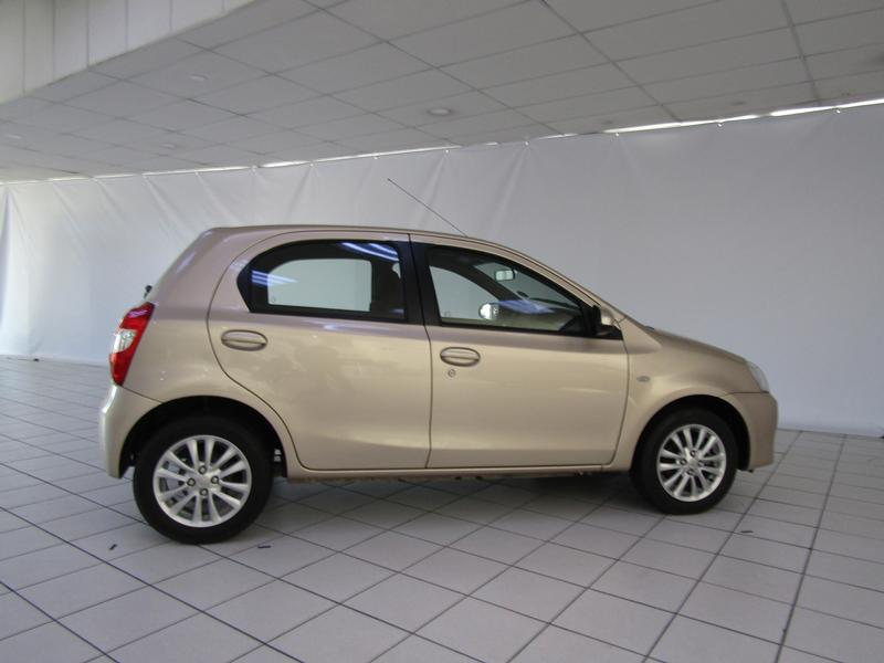 Toyota Etios Sc 1.5 Sprint 5-Door