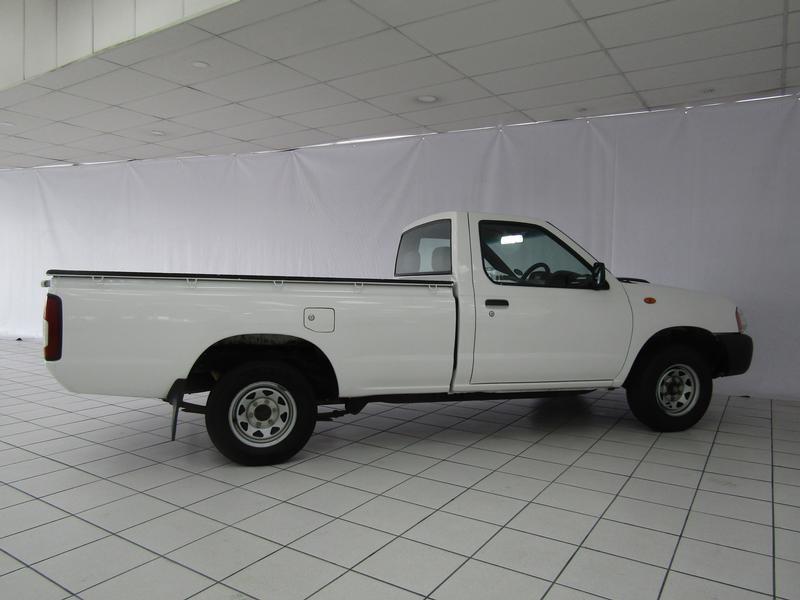 Nissan NP300 Hardbody 2.5 Tdi