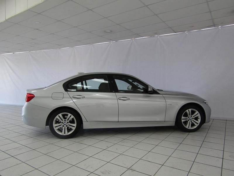 BMW 3 Series Sedan 320i Sports Steptronic
