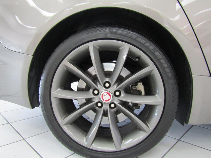 Jaguar Xf MY14.5 3.0 V6 Supercharged R-Sport