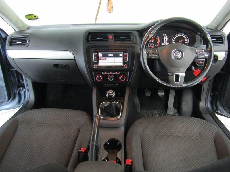 Volkswagen Jetta VI 1.2 Tsi Trendline