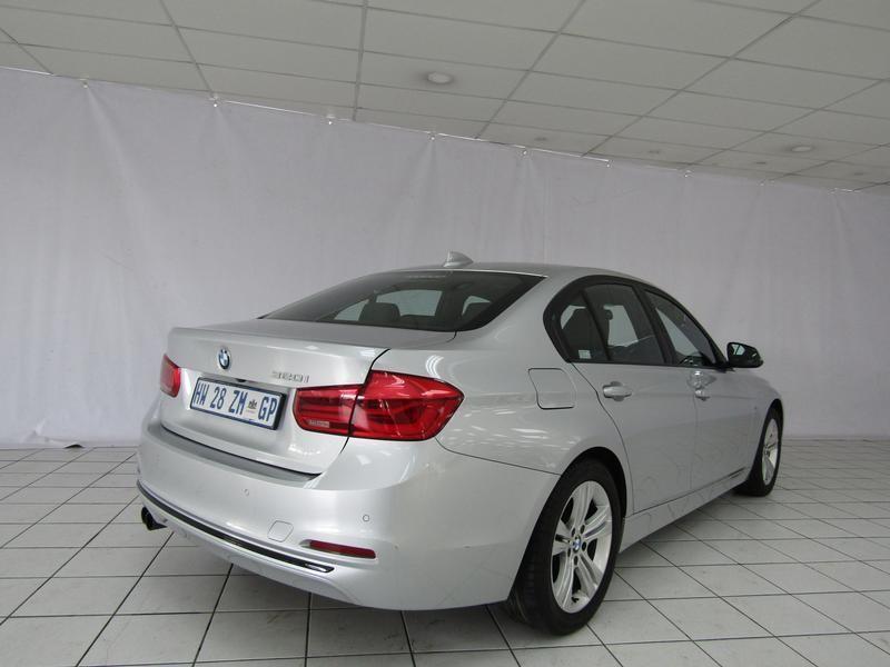BMW 3 Series Sedan 320i Sport Line Sports Steptronic