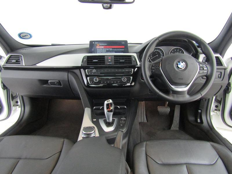 BMW 3 Series Sedan 320i Steptronic