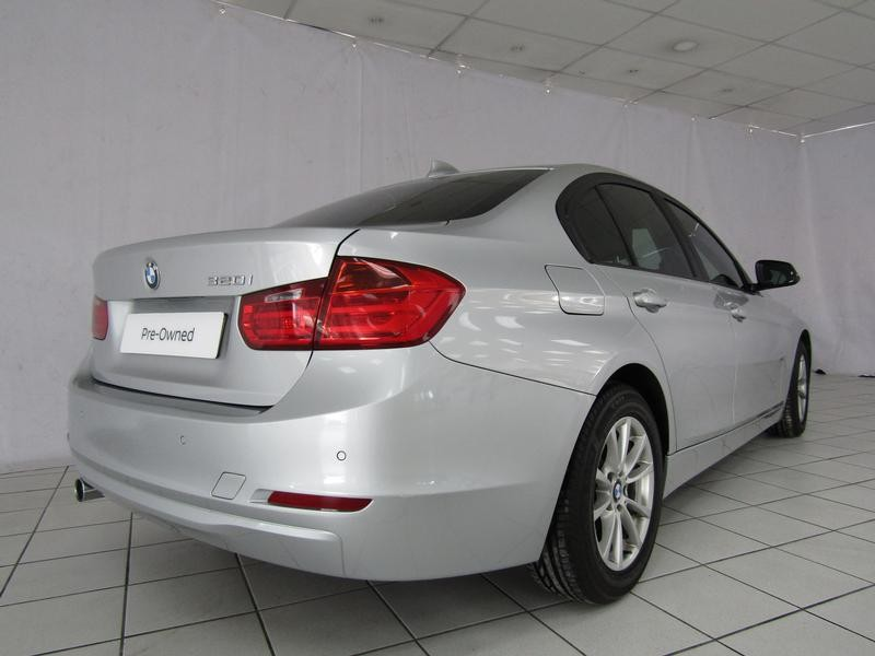 BMW 3 Series Sedan 320i Steptronic