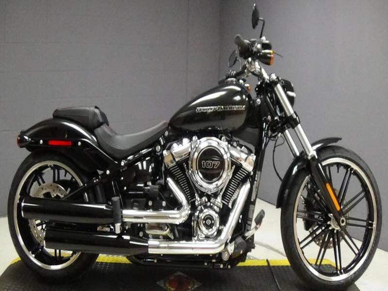 Harley Davidson FXBR Breakout 107 FXBR Colour (18my)